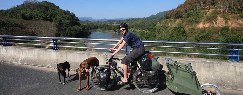 Mit dem Velo und Hunden um die Welt, Teil 15