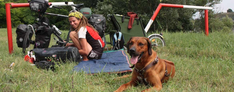 Mit dem Velo und Hunden um die Welt, Teil 3